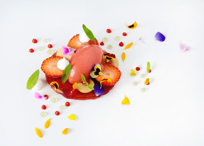 Gariguette and wild strawberries with yoghurt, lemon verbena, and sable
