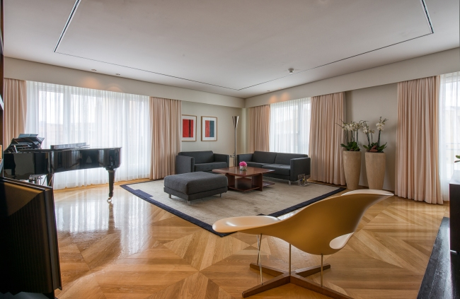 Grand Hyatt - Maybach Suite