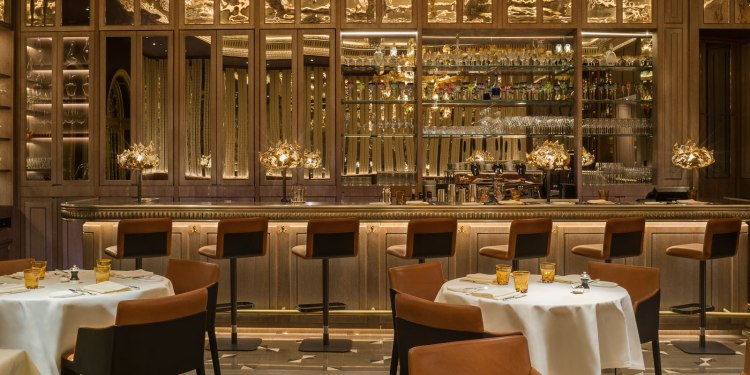 the-grill-the-dorchester-counter