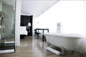 Hotel 101 Bathroom