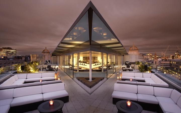 Radio Rooftop - ME Hotel
