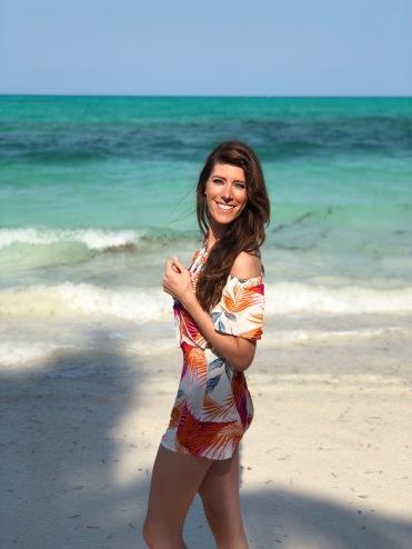 Happy Girl - Tulia - Beach BBQ - Africa