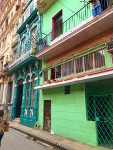 Havana - Colourful Buildings - Cuba
